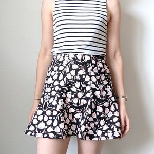 Lush floral mini skirt - size M